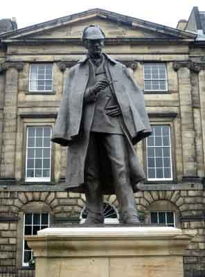 Sherlock Holmes statue in Picardy Place, Edinburgh