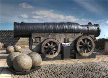 Edinburgh Castle, Mons Meg