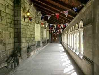 paisley abbey cloisters