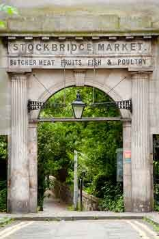 This image has an empty alt attribute; its file name is Stockbridge-market-This-is-Edinburgh.jpg